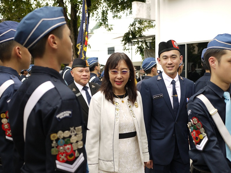 YB Teresa Kok inspecting the Guard of Honor